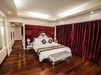Junior King Suite