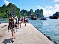 Giorno 3 : Halong- Hanoi  (colazione)