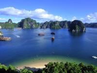 Giorno 4: Baia Di Halong – Aeroporto Di Hanoi – Hue (Colazione, Pranzo)