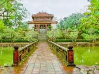 Giorno 9: Hanoi- città imperiale di Hue (colazione)