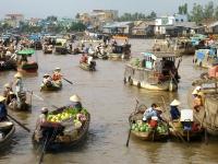 Giorno 12:  Mercato fluviale – Saigon-  Partenza (colazione)